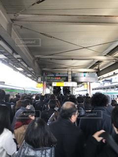 電車 ターミナル 大混雑の写真・画像素材[967200]