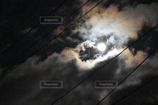 幻想的な月の写真・画像素材[964387]
