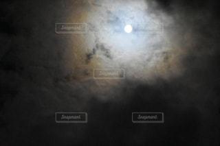 幻想的な月の写真・画像素材[964655]