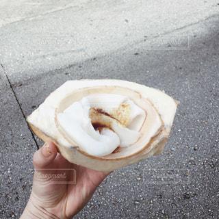 【グアムの旅写真】ココナッツの果肉🥥の写真・画像素材[1029713]