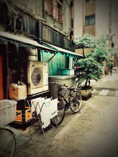 街角と自転車の写真・画像素材[1111137]