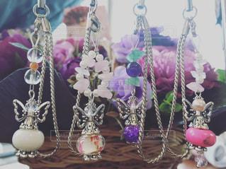 テーブルの上の花の花瓶の写真・画像素材[966340]