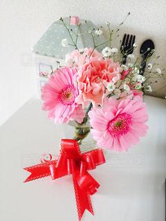 ピンクの花の花束の写真・画像素材[977531]