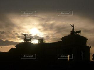 夕暮れ時の都市の景色の写真・画像素材[967276]