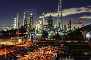 夜の街の景色の写真・画像素材[994994]