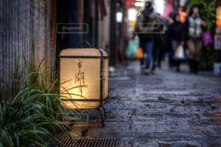 雨上がりの法善寺横丁の写真・画像素材[967661]