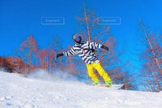 雪と空とスノボの写真・画像素材[967823]