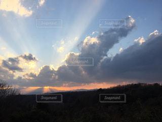 日中から夕暮れへの写真・画像素材[1003398]