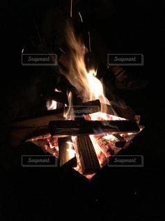キャンプってあったかいの写真・画像素材[973973]