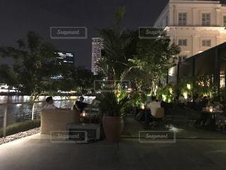 夜の街の景色の写真・画像素材[968611]
