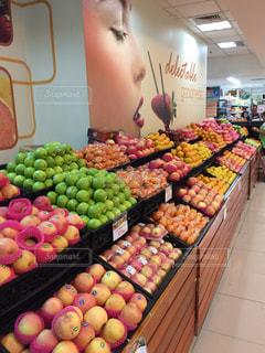 果物の陳列inセブ島のスーパーの写真・画像素材[1015239]