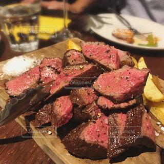 肉の板盛りの写真・画像素材[970657]