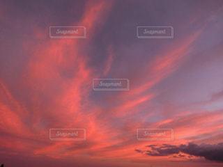 ピンクの夕空の写真・画像素材[970713]