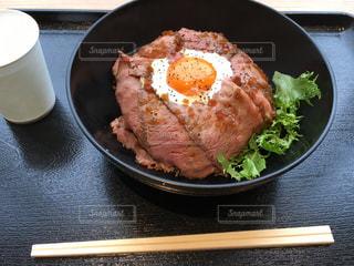 ローストビーフ丼の写真・画像素材[972457]