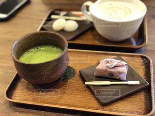 お抹茶(お団子と共に)の写真・画像素材[970558]