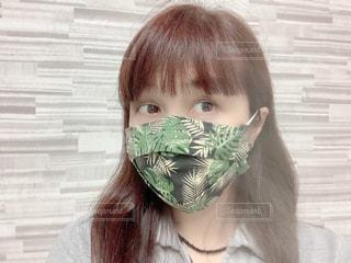 ハワイアン柄の手ぬぐい立体マスクの写真・画像素材[3409345]