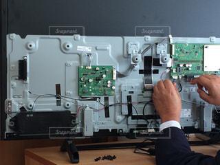 テレビの修理の写真・画像素材[1009928]