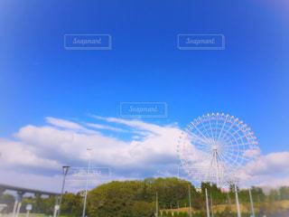 青空と観覧車の写真・画像素材[1117247]