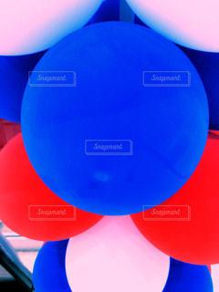 鮮やかな風船の写真・画像素材[1183314]