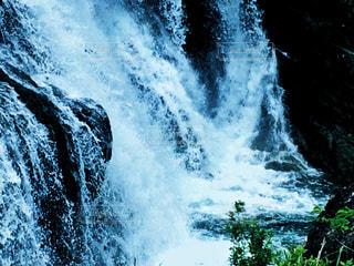 滝の水しぶきの写真・画像素材[1204922]