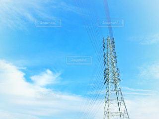 鉄塔と雲の写真・画像素材[1221598]