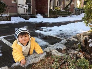 ゆうきボーイ初めての雪の写真・画像素材[972914]