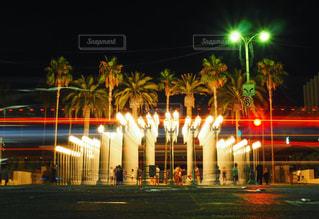 建物の夜のライトアップの写真・画像素材[971132]