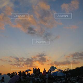 空には雲のグループの写真・画像素材[980743]