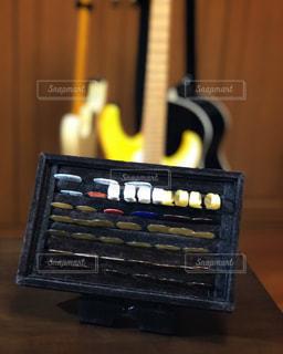 ギター用ピックの収納の写真・画像素材[2305671]