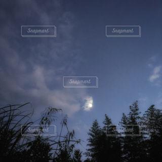 夕暮れの空の写真・画像素材[2420639]