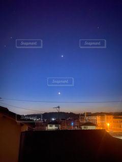 西の夜空の写真・画像素材[3132836]