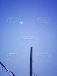 上弦の月の写真・画像素材[3607495]