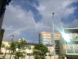 雨上がりの虹の写真・画像素材[2280791]