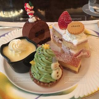 ケーキ盛り合わせの写真・画像素材[976752]