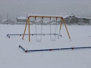 雪ブランコの写真・画像素材[997132]