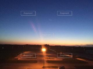 夜が訪れるときまでの写真・画像素材[975724]