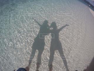 サイパンのビーチでの写真・画像素材[1073195]