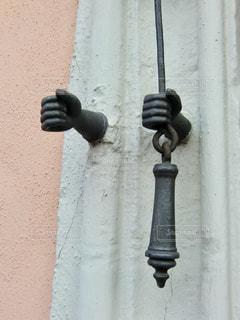 ローテンブルクの街で見つけた遊び心のあるドアベルの写真・画像素材[1171511]