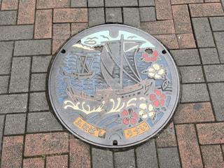 千葉県船橋市のマンホール カラーバージョンです。の写真・画像素材[975477]