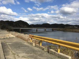 山口県の県道ガードレールは夏みかん色の写真・画像素材[977084]