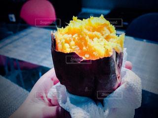 焼き芋いただきます。の写真・画像素材[979516]