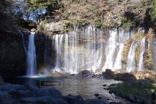 白糸の滝と虹の写真・画像素材[975667]