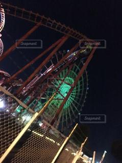 夜のジェットコースターの写真・画像素材[977000]
