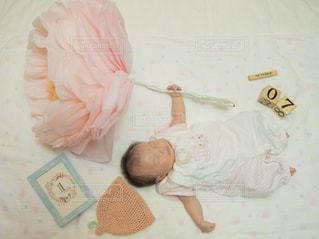 1か月の赤ちゃんの写真・画像素材[2118212]