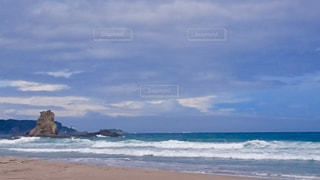 台風の海と空の写真・画像素材[978425]
