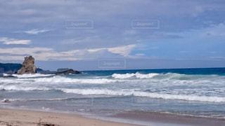 台風の接近中の海の写真・画像素材[978427]