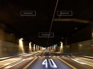 高速道路のトンネルの写真・画像素材[1060728]