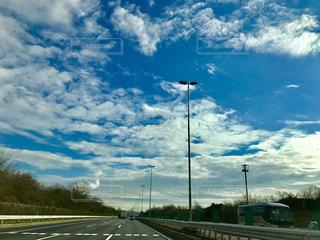 高速道路の空の写真・画像素材[1061171]
