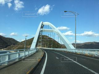 道路の上の橋の写真・画像素材[978949]