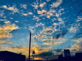 帰り道も楽しい夕暮れの写真・画像素材[979176]